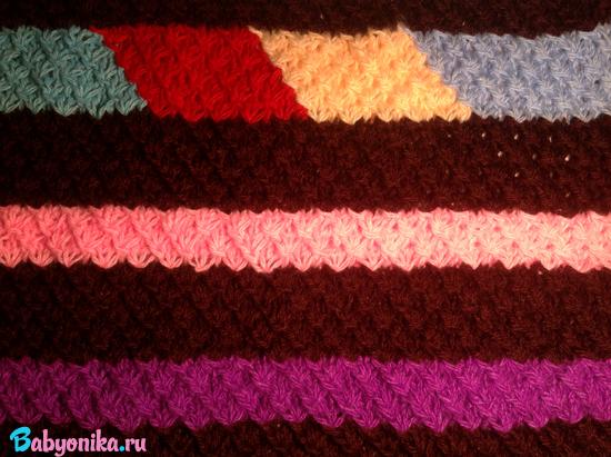 вводим другие контрастные цвета в вязание пледа