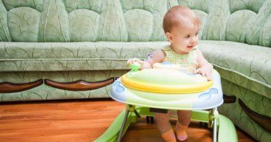 С какого возраста можно использовать ходунки для ребенка